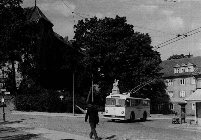 Schloss Insterburg und Trolleybus, Insterburg