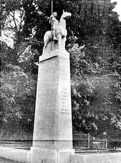 Denkmal f. v. Gefallenen v. Ulanen=Reg. 12, Insterburg