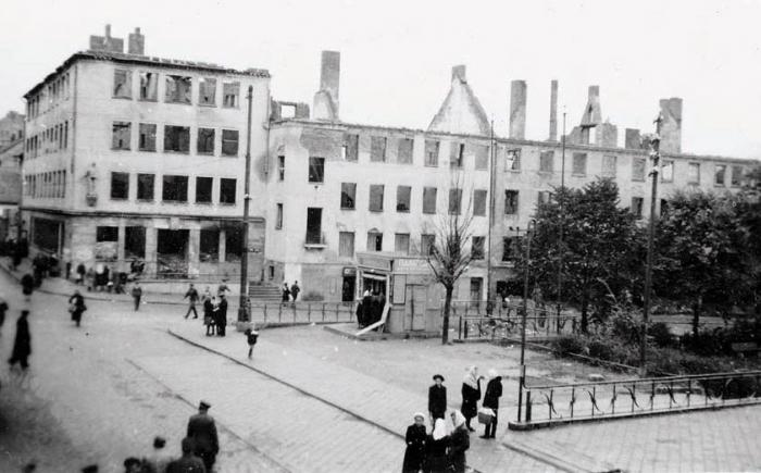 Угол улиц Сулинской (ныне ул. Калинина) и Пионерской. 1950-е годы, Черняховск