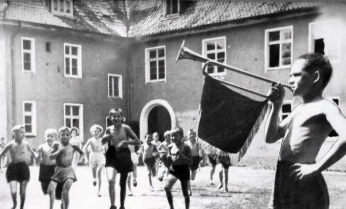 В пионерском лагере. Конец 1940-х годов, Черняховск