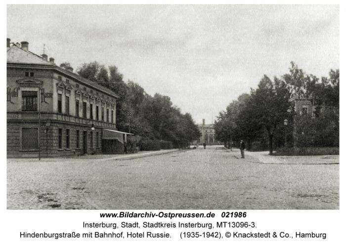 Hindenburgstrasse mit Bahnhof, Hotel Russie, Insterburg