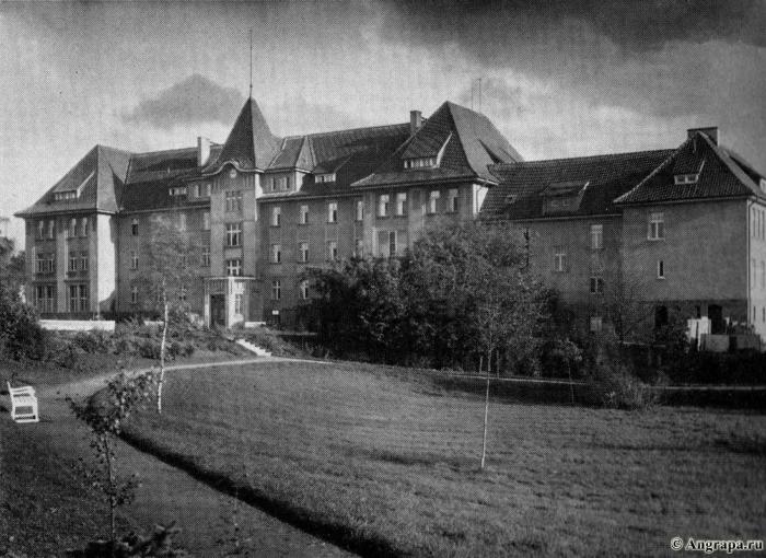 Die Provinzial-Landesfrauenklinik und ihre Park an der Augustastrasse, Insterburg