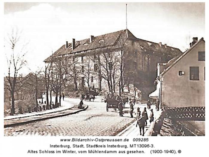 Altes Schloss im Winter, vom Mühlendamm aus gesehen, Insterburg