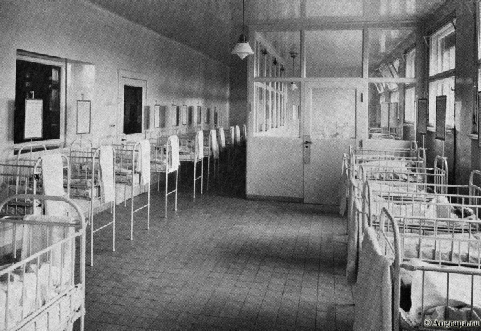 Blick in die Säuglingsstation, Insterburg