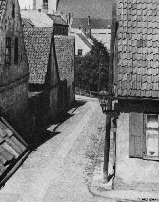 Bergstrasse repräsentierte mit ihren kleinen, uralten Häusern die Altstadt Insterburgs