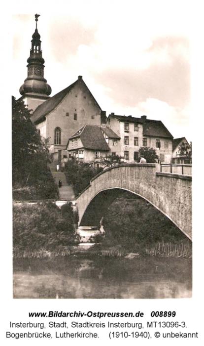 Bogenbrücke über die Angerapp mit Lutherkirche, Insterburg