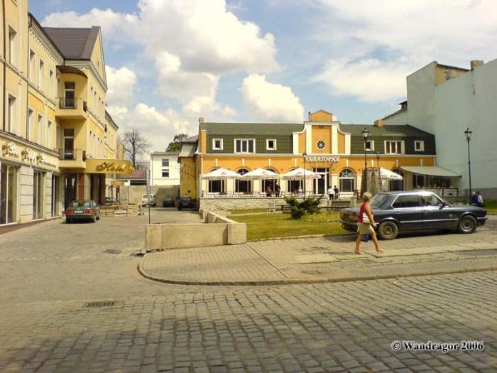 Отель «Кочар» и кафе «Акватория» (улица Ленина), Черняховск