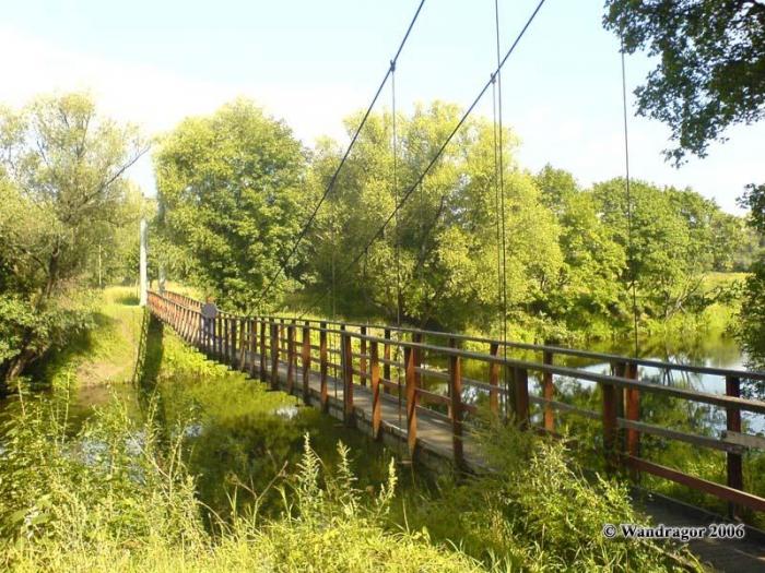Навесной мост, Черняховск