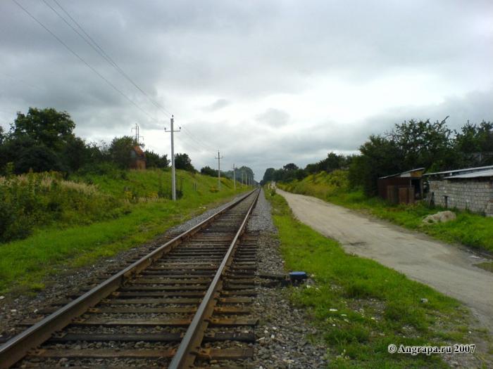 Железная дорога (вид с переезда). Улица Черняховского, Черняховск