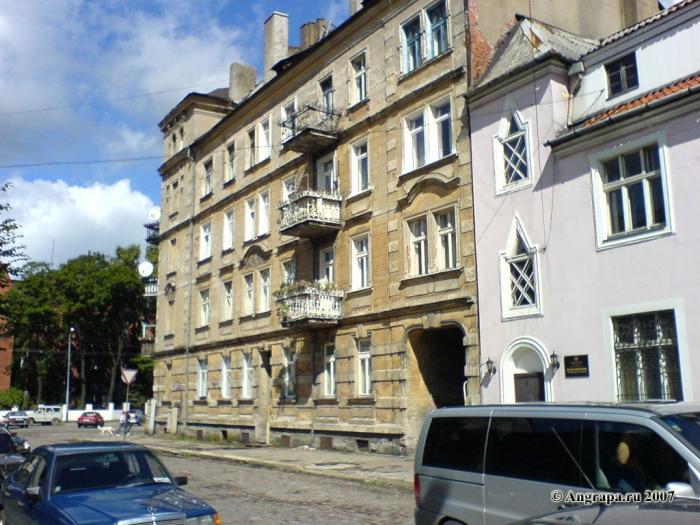 Здание на улице Советской (рядом со зданием военной прокуратуры), Черняховск