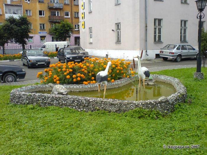 Сквер у здания вневедомственной охраны (улица Тельмана), Черняховск