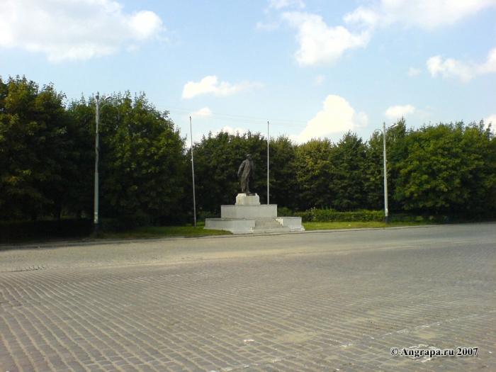 Памятник Ленину на площади Ленина, Черняховск
