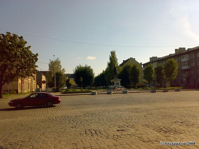 Площадь Ленина и памятник Барклаю-де-Толли, Черняховск