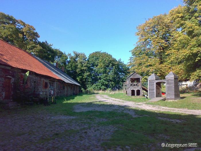 Двор замка Инстербург, Черняховск