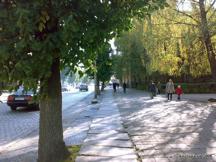 Тротуар на улице Ленина, Черняховск