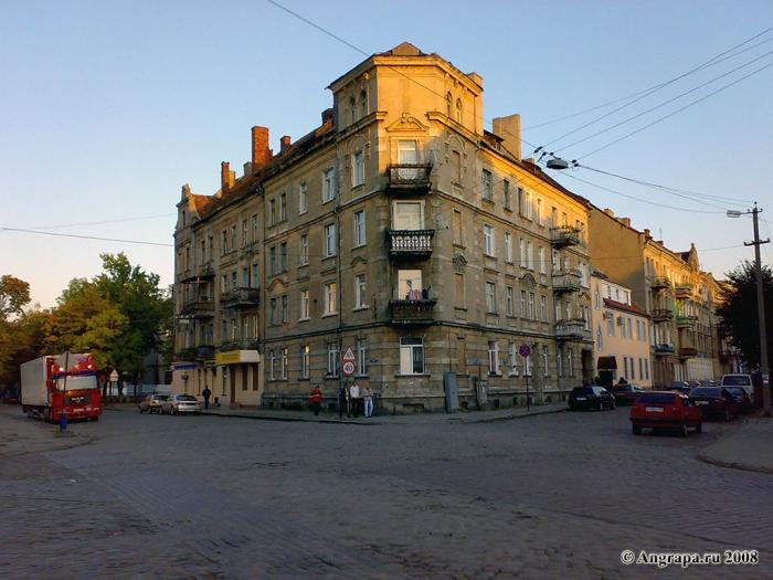 Здание на пересечении улиц Советская и Гагарина, Черняховск