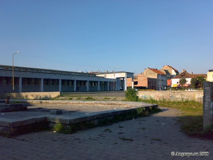 Театральная площадь, Черняховск