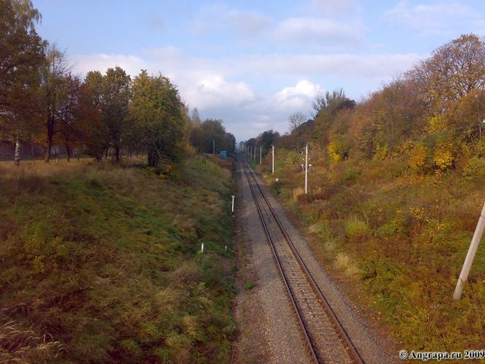 Железная дорога (вид с путепровода). Улица Гагарина, Черняховск