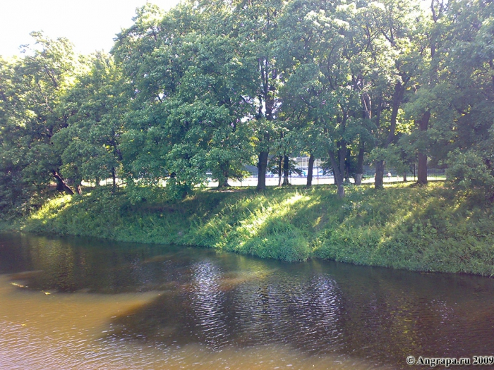 Вид на берег реки Анграпа с навесного моста, Черняховск
