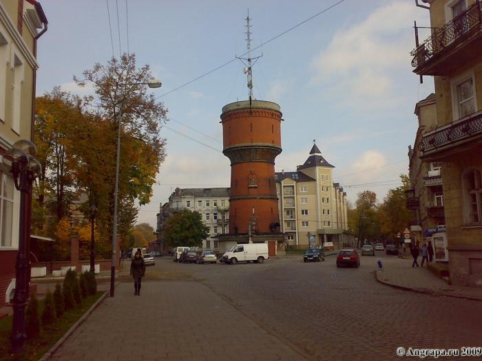 Водонапорная башня (вид с улицы Спортивной), Черняховск