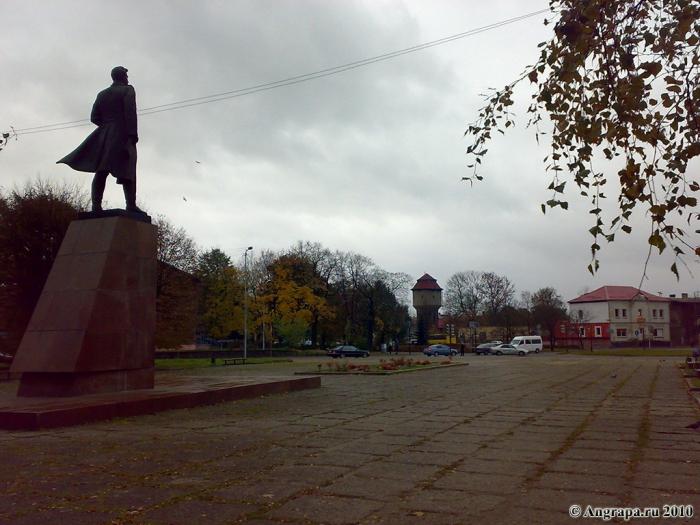 Площадь И.Д. Черняховского, Черняховск