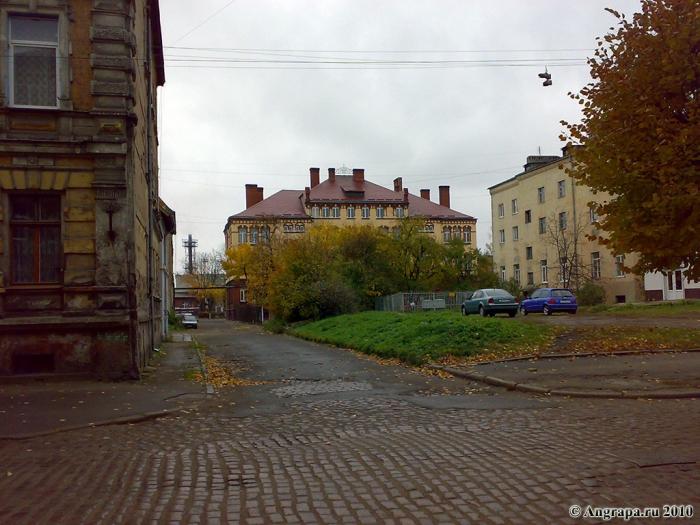 Улица Пионерская (вид на среднюю образовательную школу №6), Черняховск
