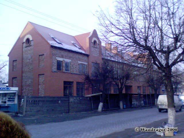 Строящееся здание на улице Ленина (напротив Католической церкви), Черняховск