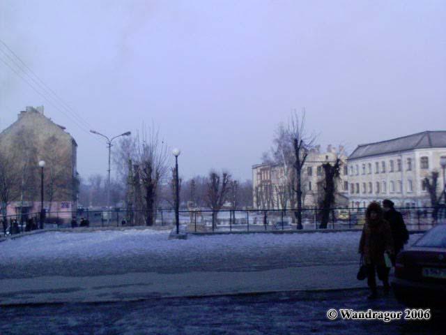 Вид на сквер (переулок 2й-Госпитальный) со стороны улицы Калинина, Черняховск