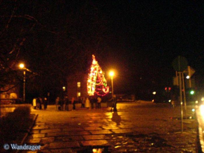 Новогодняя ёлка на площади Черняховского, Черняховск