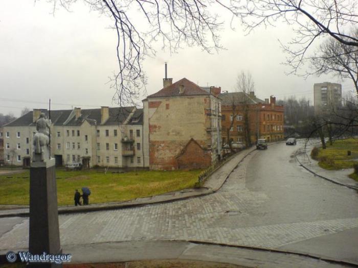 Перекресток улиц Партизанская, Замкова и Льва Толстого (вид со стороны замка Инстербург), Черняховск