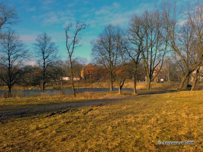 Вид на Замковый пруд и замок Инстербург, Черняховск
