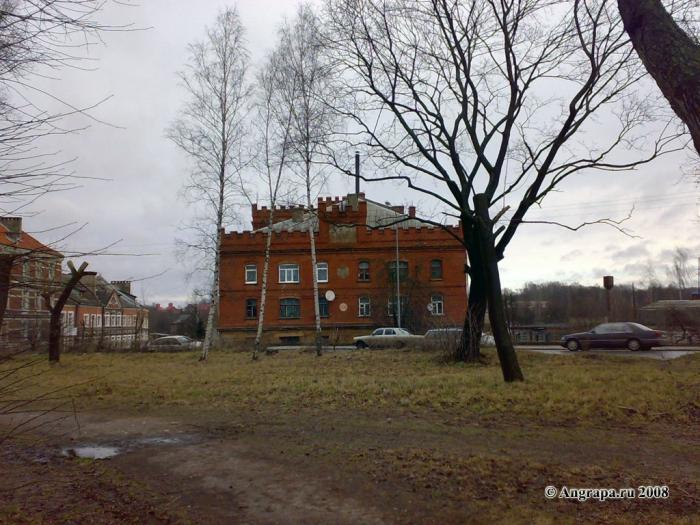 Вид на здание 1336 года постройки (мельница). Улица Партизанская, Черняховск