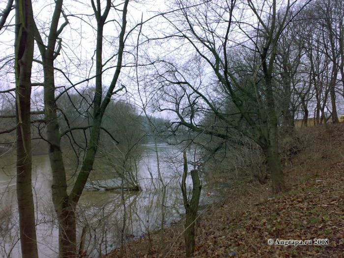 Вид на реку Анграпа (в районе мебельной фабрики «Интердизайн» (бывший ДОК)), Черняховск
