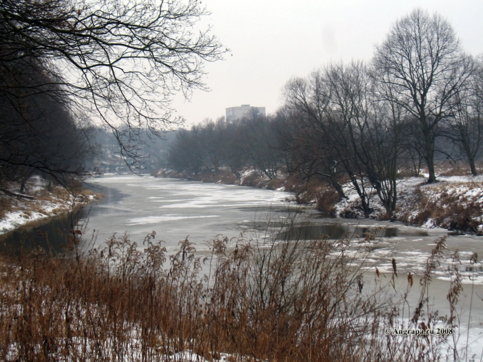 Вид на реку Анграпа (в районе подвесного моста), Черняховск