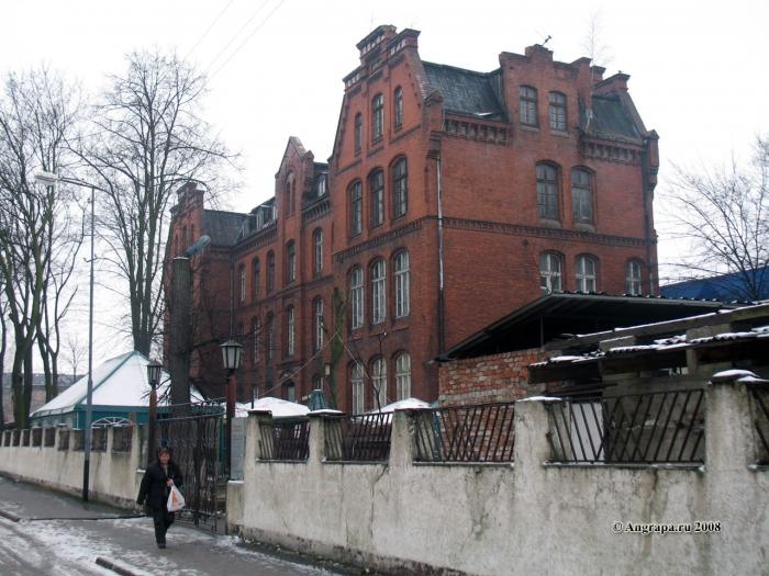 Здание по улице Спортивной (рядом с водонапорной башней), Черняховск