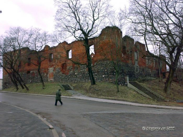 Замок Инстербург (угол улиц Партизанская и Замковая), Черняховск